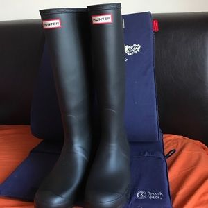 BRAND NEW- Hunter rain Boots